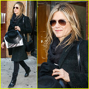 Jennifer Aniston to Star in 'The Comedian' with Robert De Niro
