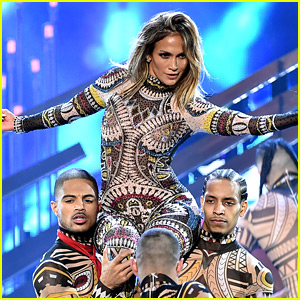 Jennifer Lopez Dances to 2015's Biggest Songs for AMAs Opening (Video)