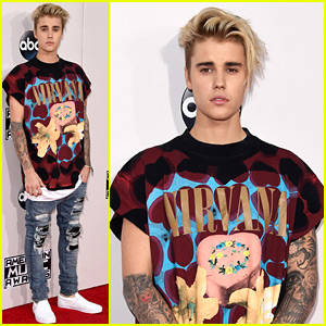 Justin Bieber Goes Casual in Nirvana Tee at AMAs 2015