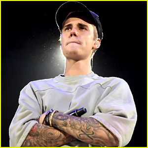 Justin Bieber Breaks Down in Tears During Staples Center Show