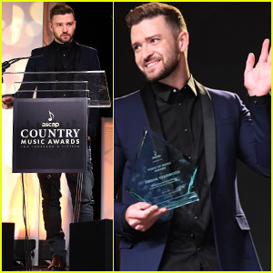 Justin Timberlake Gets Ready To Take The Stage At The CMA Awards