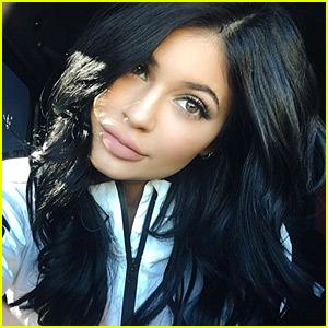 Kylie Jenner's Cyber Monday Shoppers Crash Her Lip Kit Site One Minute After Release!