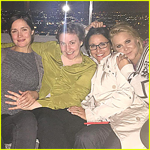 Rose Byrne, Lena Dunham & Amy Schumer Have Ultimate Girls Night