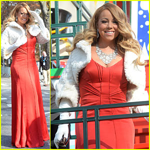 Mariah Carey Hits Thanksgiving Day Parade, Sings 'All I Want For Christmas Is You' (Video)