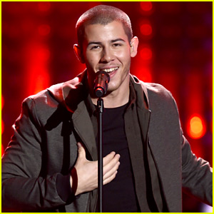 Nick Jonas Performs Medley of Hits at AMAs 2015 - Watch Now!