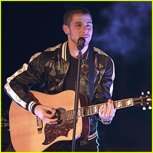 Video: Nick Jonas Performs At 'Malibu Mansion Live' Ahead of American Music Awards Performance