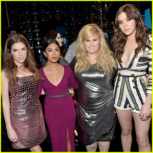 Anna Kendrick Gives Funniest 'Thank You' Speech at AMAs 2015 (Video)