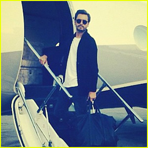 Scott Disick Leaves Rehab, Boards a Private Jet