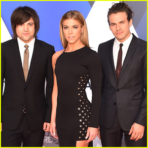 The Band Perry Hits CMA Awards 2015 Red Carpet Together