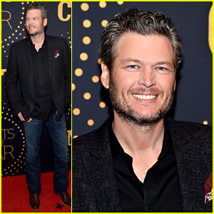 Blake Shelton Goes Solo to the CMT Artist Awards 2015