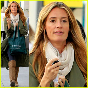 Cat Deeley Bundles Up Her Baby Bump & Braves the Chill