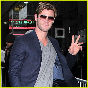 Chris Hemsworth Opens Up About Losing Weight for New Movie