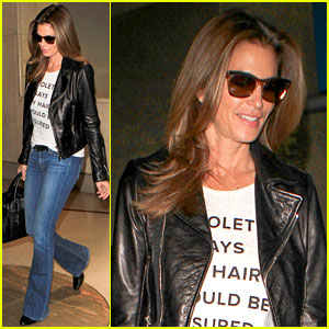 Cindy Crawford Talks About Her Friendship with Amal Clooney