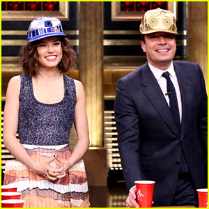 Star Wars' Daisy Ridley Plays Flip Cup with Jimmy Fallon!