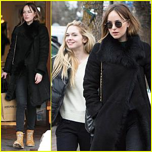 Dakota Johnson & Sister Stella Banderas Holiday Shop In Aspen!