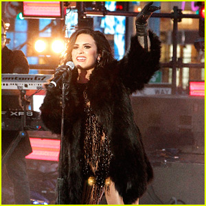 Demi Lovato Gives Fierce New Year's Eve 2016 Performance! (Video)