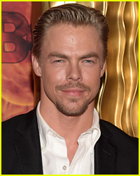 Derek Hough Shows Off His Crazy Six-Pack!