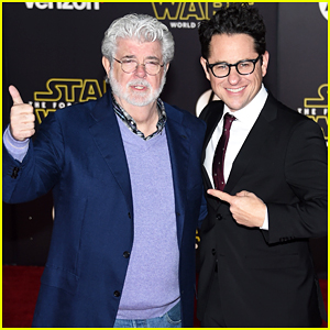 J.J. Abrams & George Lucas Buddy Up at 'Star Wars' Premiere!