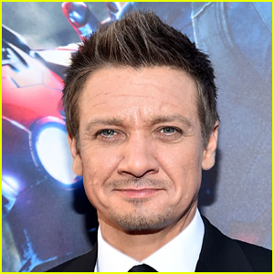Jeremy Renner Finalizes Divorce, Posts New Photos of Ava