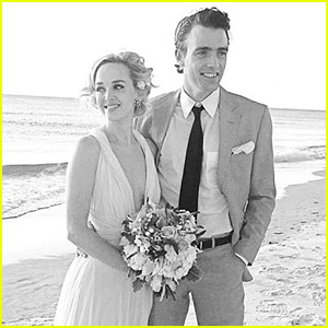 The Good Wife's Jess Weixler Marries Hamish Brocklebank!