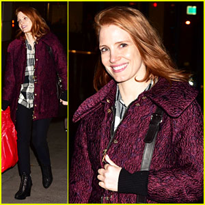 Jessica Chastain Kick Starts Her Holiday Shopping
