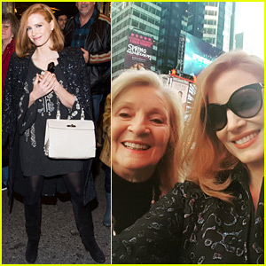 Jessica Chastain Looks All Ready for Christmas in New York!