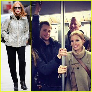 Jessica Chastain Rides the NYC Subway 'Like a Boss'