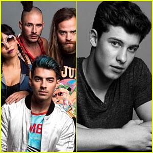 Joe Jonas & Shawn Mendes Hit Up Just Jared's Jingle Ball Portraits Booth