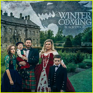 Kelly Clarkson & Family Pose For Amazing 'Game of Thrones' Christmas Card!