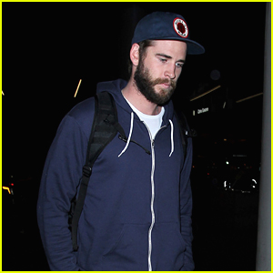 Liam Hemsworth Heads Home For the Holidays