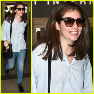 Lorde Looks Totally Different With Straight Hair!