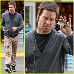 Mark Wahlberg Teaches Young Kids About the Birds & Bees (Video)