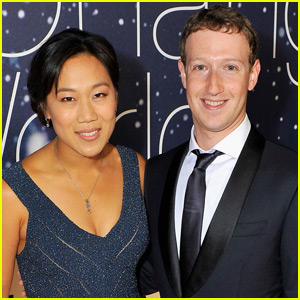 Mark Zuckerberg Is a Diaper Changing Dad!
