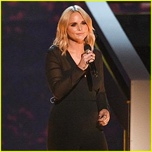 Miranda Lambert Sings The Eagles' 'Desperado' at Kennedy Center Honors 2015 (Video)