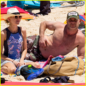 Naomi Watts & Liev Schreiber Have a Relaxing Day at the Beach