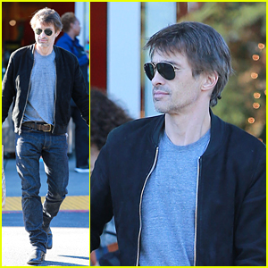 Olivier Martinez Keeps it Casual for Grocery Store Run