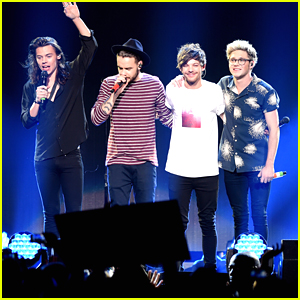One Direction & 5 Seconds Of Summer Hit Up Jingle Ball Dallas 2015