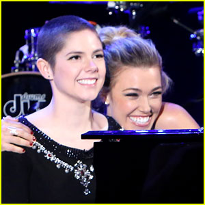 Rachel Platten Sings 'Fight Song' with Young Cancer Survivor