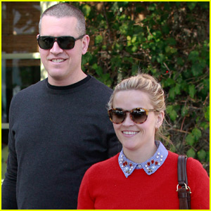 Reese Witherspoon & Jim Toth Have a Holiday Lunch Together