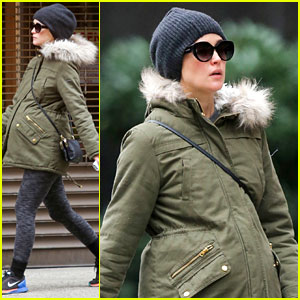 Pregnant Rose Byrne Covers Up Her Growing Baby Bump