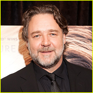 Russell Crowe Slams Virgin Australia After Refusing to Let Him Check His Hoverboard as Luggage