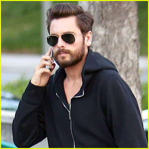 Does Scott Disick Have a Black Eye Under His Glasses? (Photos)