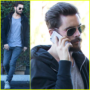 Scott Disick Breaks Down Into Tears, Apologizes to Kardashians in New Clip - Watch Now