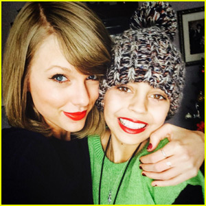 Taylor Swift Gives a Sick Fan a Christmas Surprise!