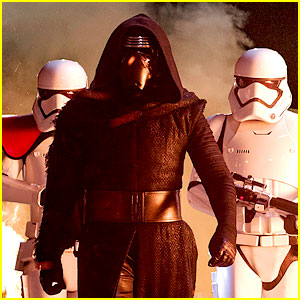 'The Force Awakens' Spoilers: Mystery Celeb Cameo Revealed!