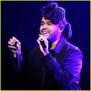 The Weeknd Performs Medley of Hits on 'The Voice' Finale!