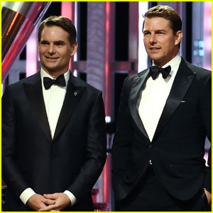 Tom Cruise Introduces NASCAR Legend Jeff Gordon at Sprint Cup Awards