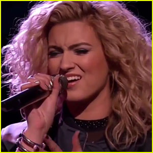 Tori Kelly Performs 'Hollow' with Jeffery Austin on 'The Voice'