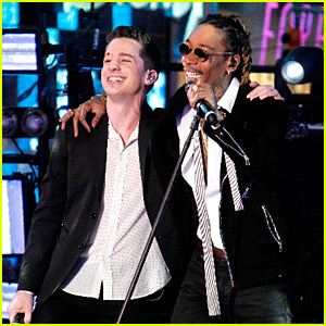 Wiz Khalifa & Charlie Puth Perform 'See You Again' on NYE 2016! (Video)