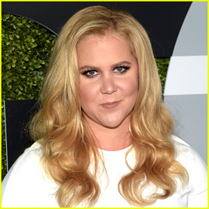 Amy Schumer Jokes Obama Is Actually Her New Boyfriend!